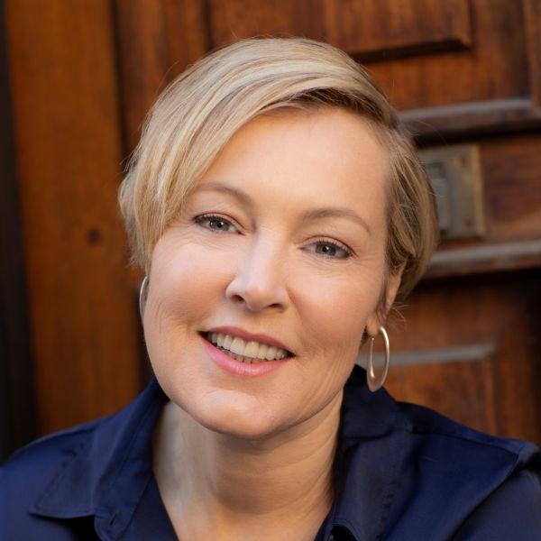 Author pic Gillian Tett