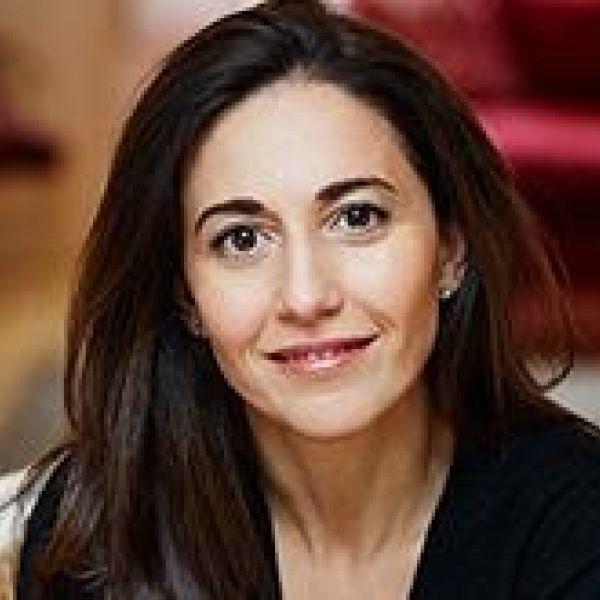 Diana Verde Nieto b