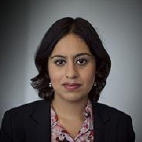 Sara Khan bio 1
